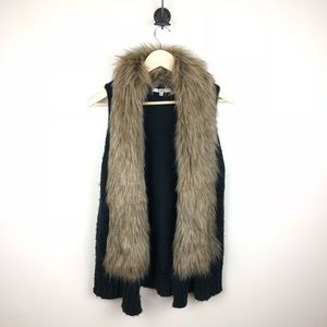 BB Dakota Perri Faux Fur Collar Sleeveless Vest M